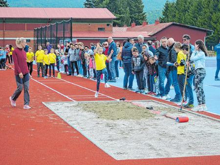 Pored škole u Mrkoplju otvorena najviša atletska staza u Hrvatskoj
